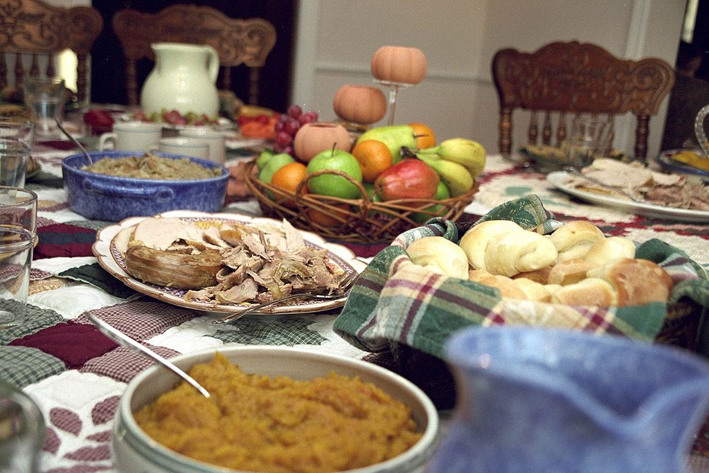 1024px-TraditionalThanksgiving