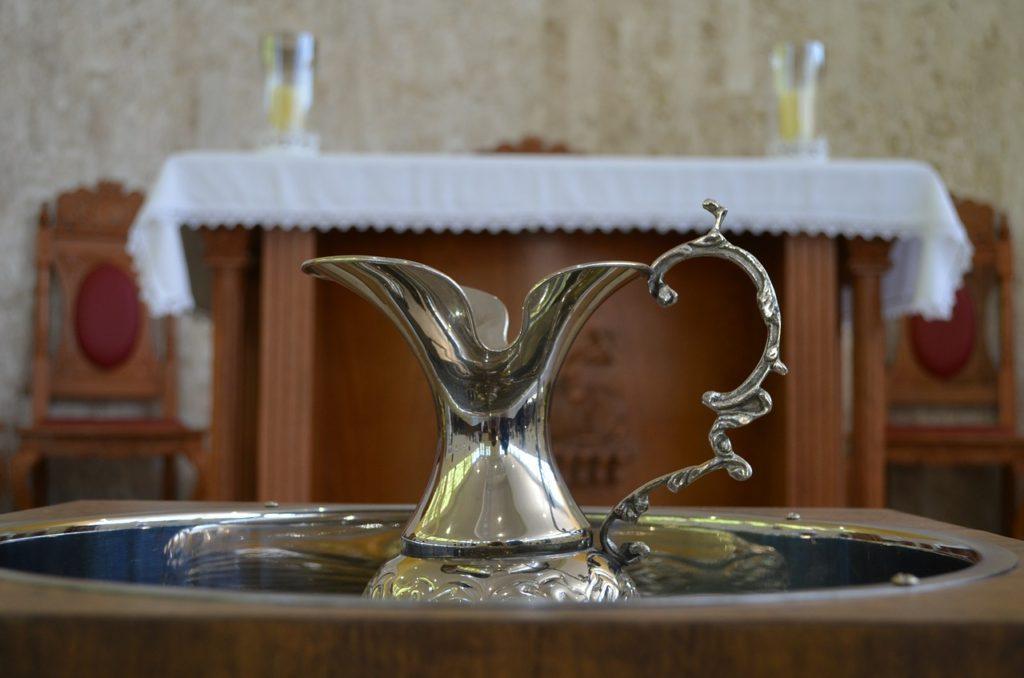 baptism-577953_1280