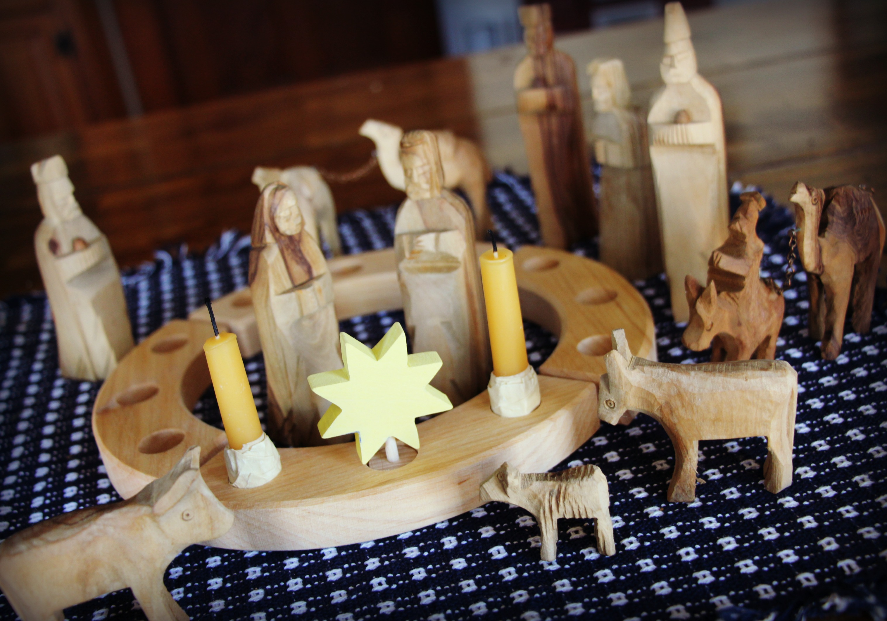 5 Ways We Decorate for Advent and Christmas